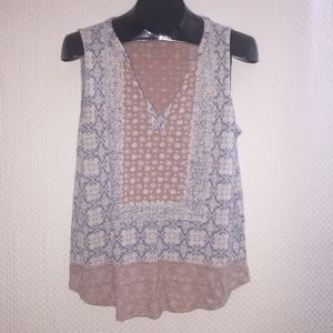 🚨 Lucky Brand Sleeveless Blouse 🚨